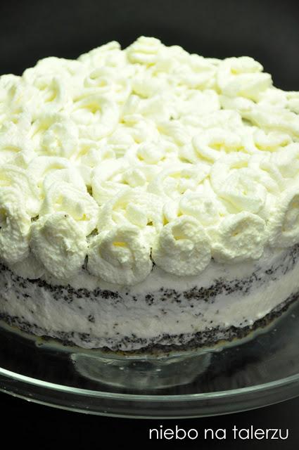 Tort makowy zwiśniami