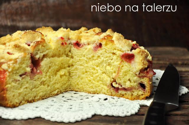 Ciasto drożdżowe ztruskawkami