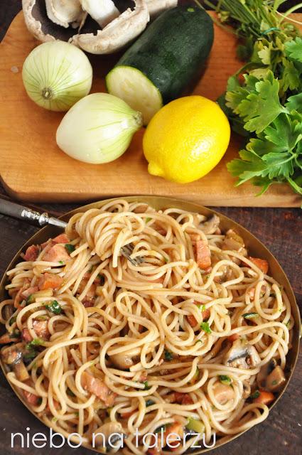 Spaghetti zboczkiem ipieczarkami