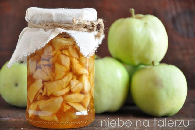 jabłka wsłoikach