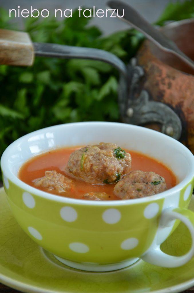 Zupa zpapryki ipomidorów
