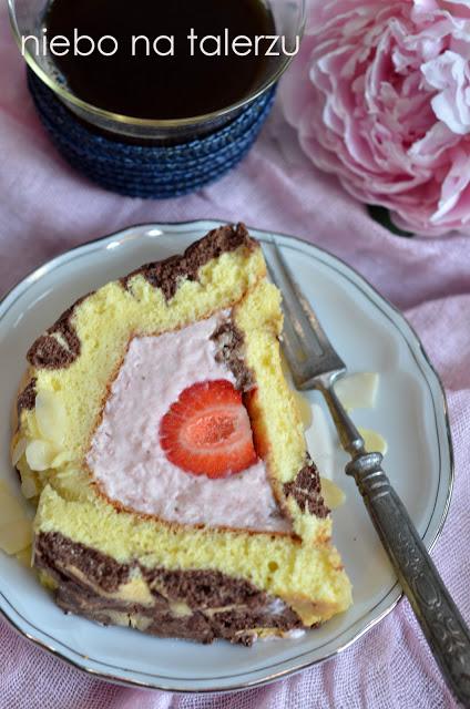 łatwe ciasto zkremem itruskawkami