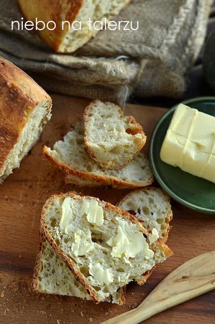 chleb nadrożdżach