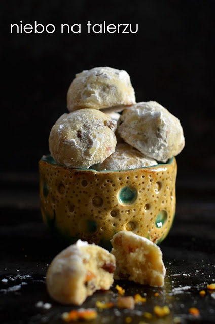 kruche ciasteczka orzechowo - serowe
