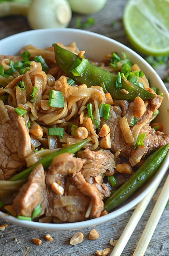 Łatwy makaron ryżowy zwieprzowiną