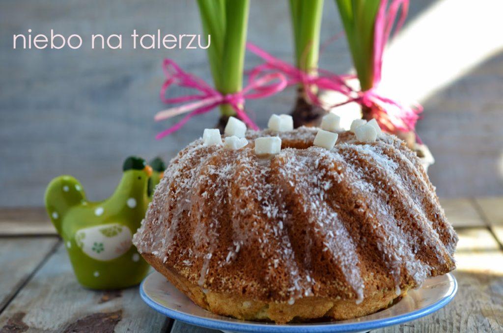 Wilgotna babka kokosowa