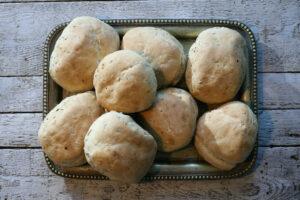 bułeczki pszenno - zytnie z ziarnami