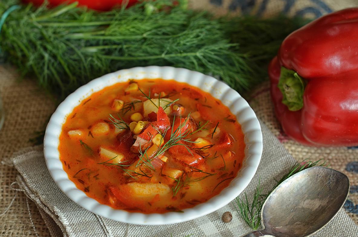 bardzo dobra zupa z pomidorów i papryki