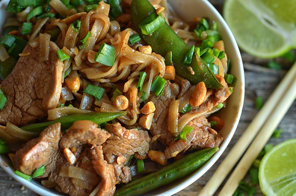 Łatwy makaron ryżowy z wieprzowiną