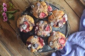 muffinki bananowe z czekoladą i owocami