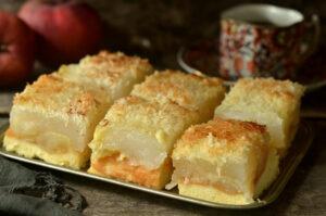 ciasto z jabłkami pod kokosową skorupką