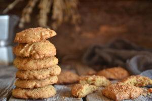 ciasteczka z prażonym kokosem i toffi