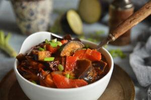 gulasz z bakłażana z suszonymi pomidorami