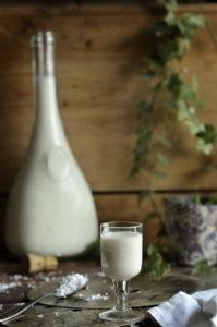 Łatwy przepis na likier kokosowy