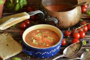 prosta i pyszna zupa z pomidorków koktajlowych